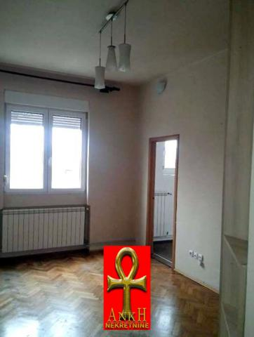 Stan 70m² Savski Venac