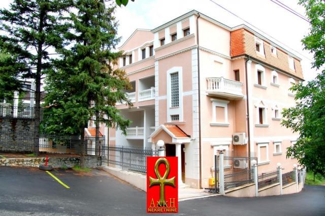 Stan 250m² Savski Venac