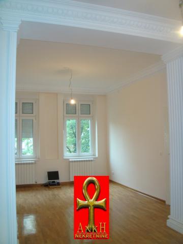 Stan 140m² Savski Venac