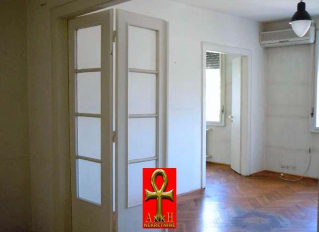 Poslovni prostor 105m² Stari Grad