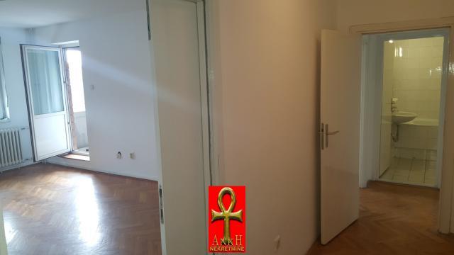 Poslovni prostor 85m² Novi Beograd