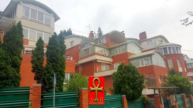 Stan 112m² Savski Venac