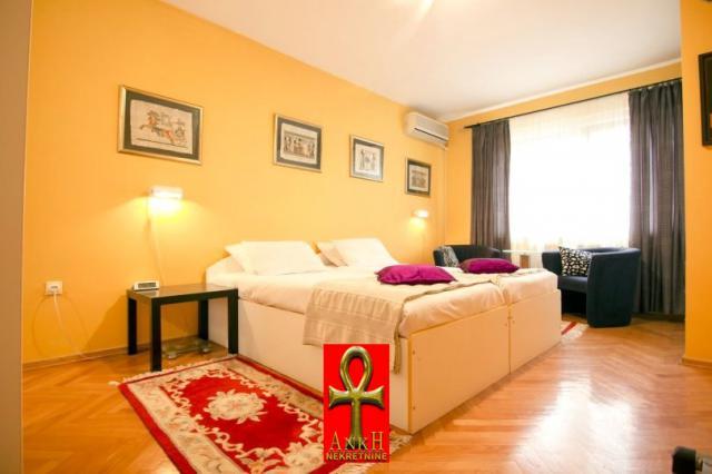 Stan 92m² Savski Venac