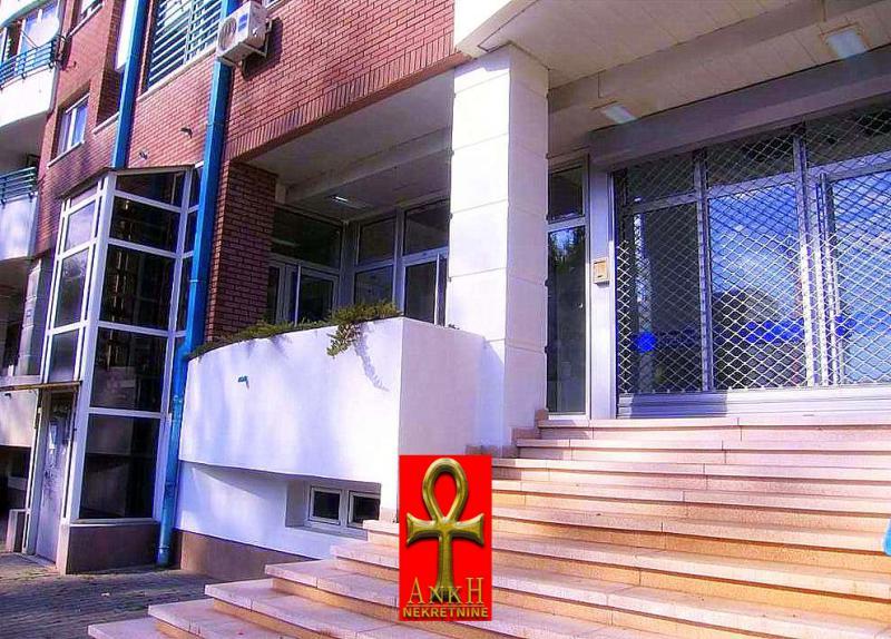 Poslovni prostor 68m² Novi Beograd