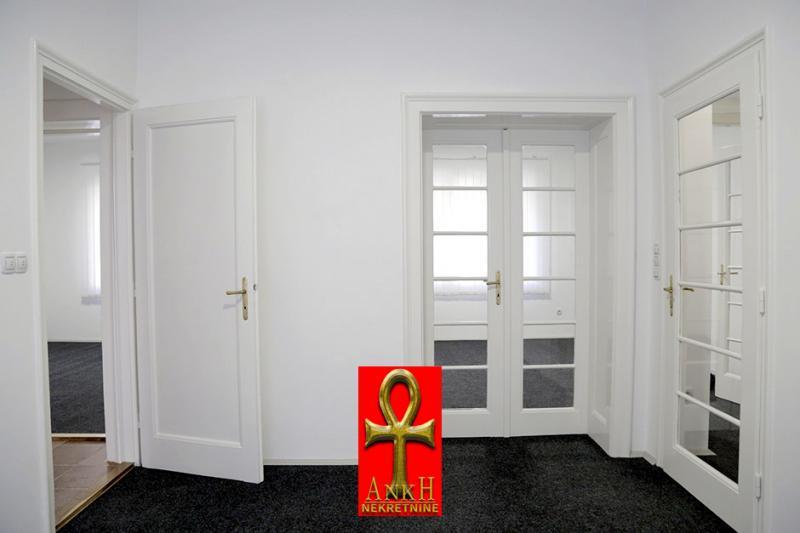 stan 80m² Vračar