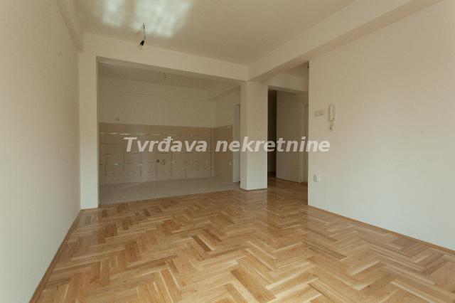 Stan 48m² Crveni Pevac