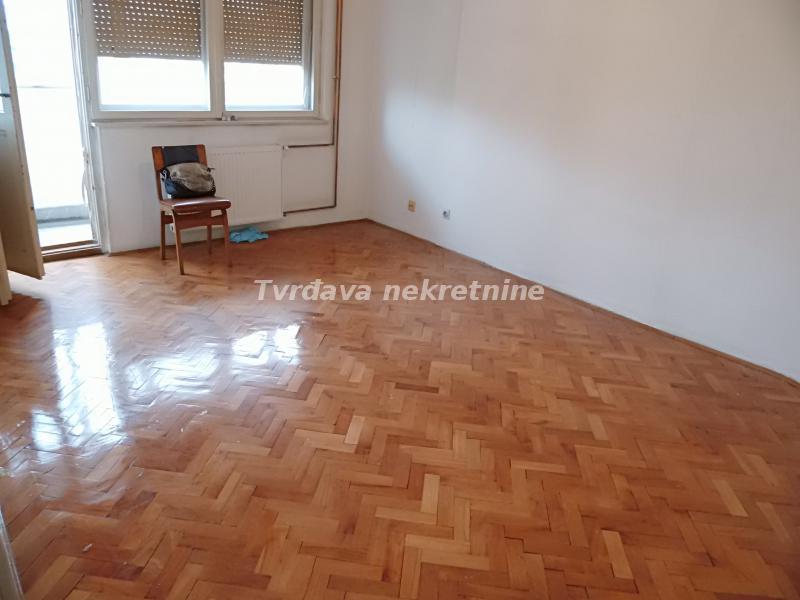 Stan 38m² Crveni Pevac