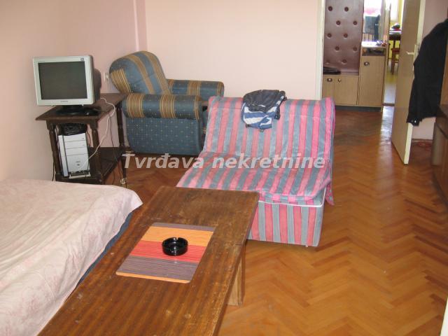 Stan 72m² Crveni Pevac