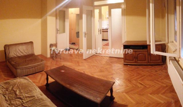 Stan 72m² Crvena Zvezda